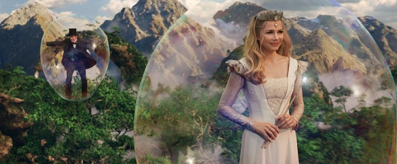 James Franco e Michelle Williams em OZ: MÁGICO E PODEROSO (Oz the Great and Powerful)
