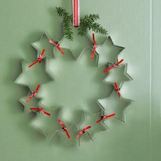 Coronas de Navidad con Latas Recicladas