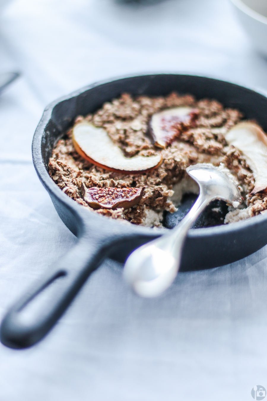 Cinnamon spiced oatmeal with apples, figs and greek yogurt for that extra protein