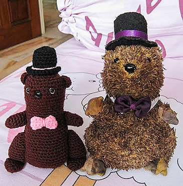 crocheted soft toy beaver replica amigurumi
