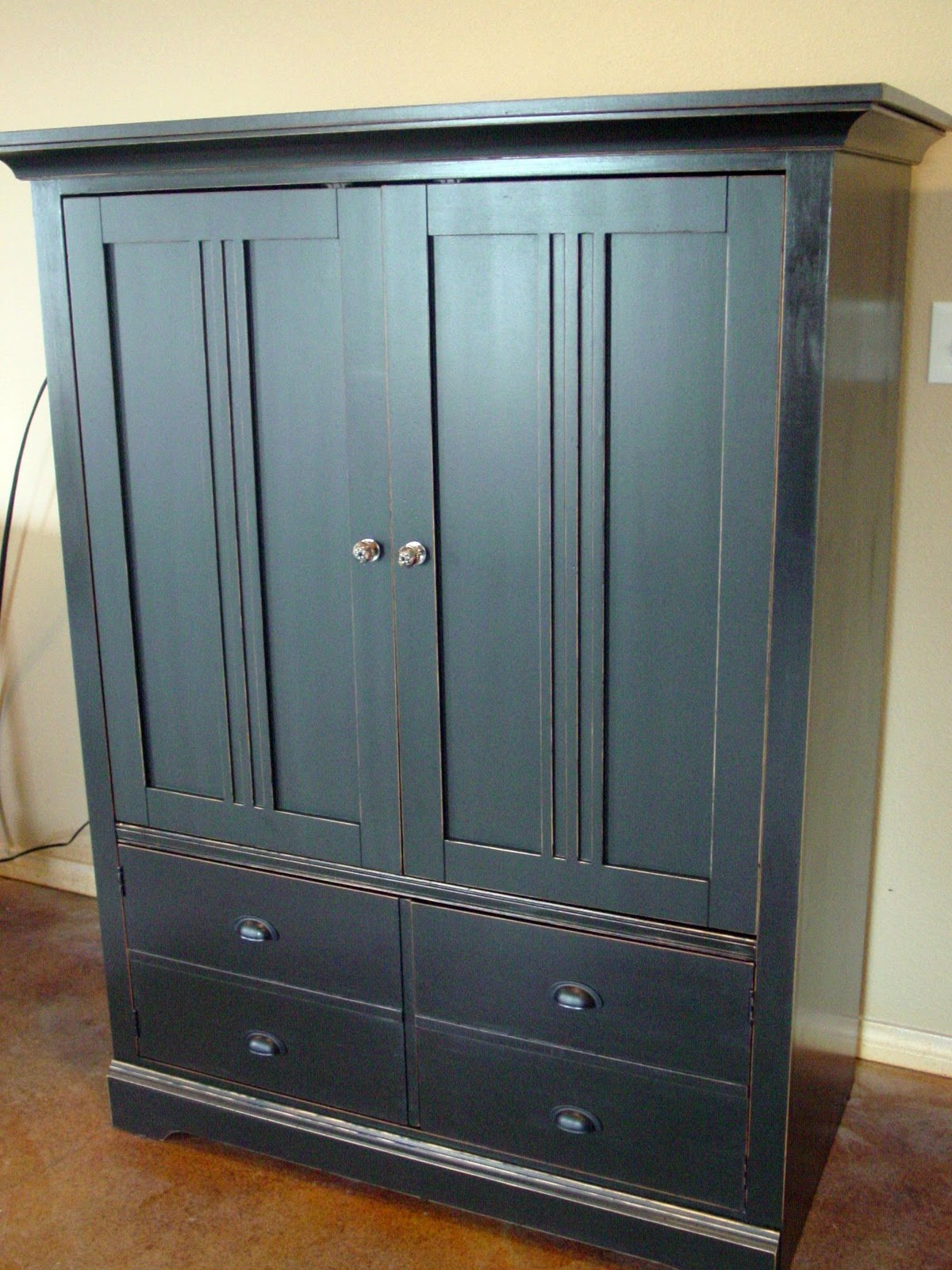 Secondhand charm bassett entertainment armoire cabinet for Entertainment armoire