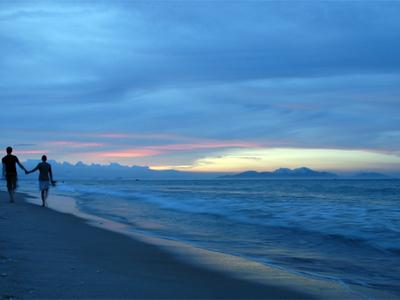 Chuyện cổ tích Biển và Sóng