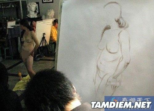 Vất vả tủi thân với nghề làm người mẫu nude 9