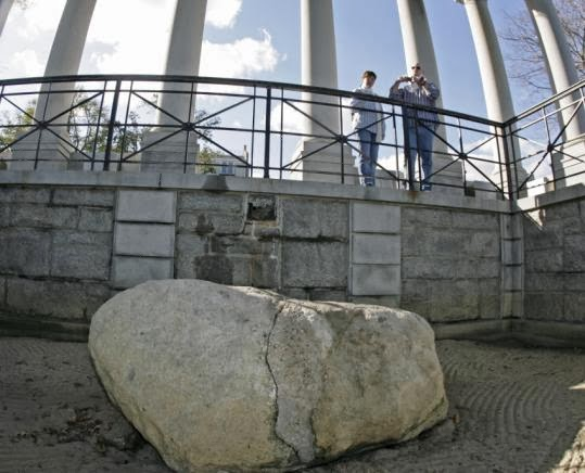 World Visits Plymouth Rock Historical Rock In Massachusetts
