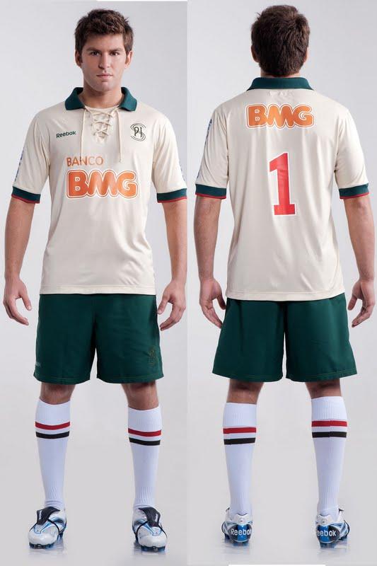 Cruzeiro e Reebok lançam terceiro uniforme com camisa verde - Show ... 9c5ffe0047104