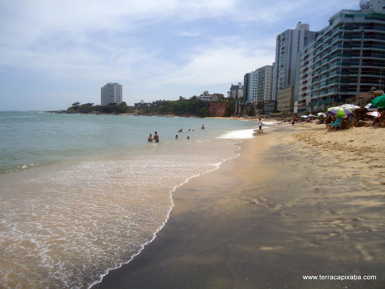 Resultado de imagem para guarapari praia da areia preta