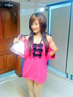 Khmer girl Coca Mini with short jean 3