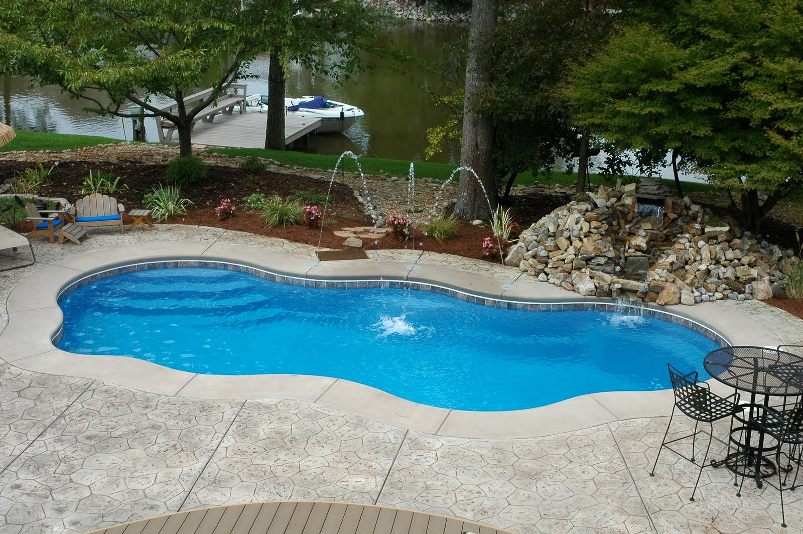 Beautiful inground pools bellisima for Poolside ideas