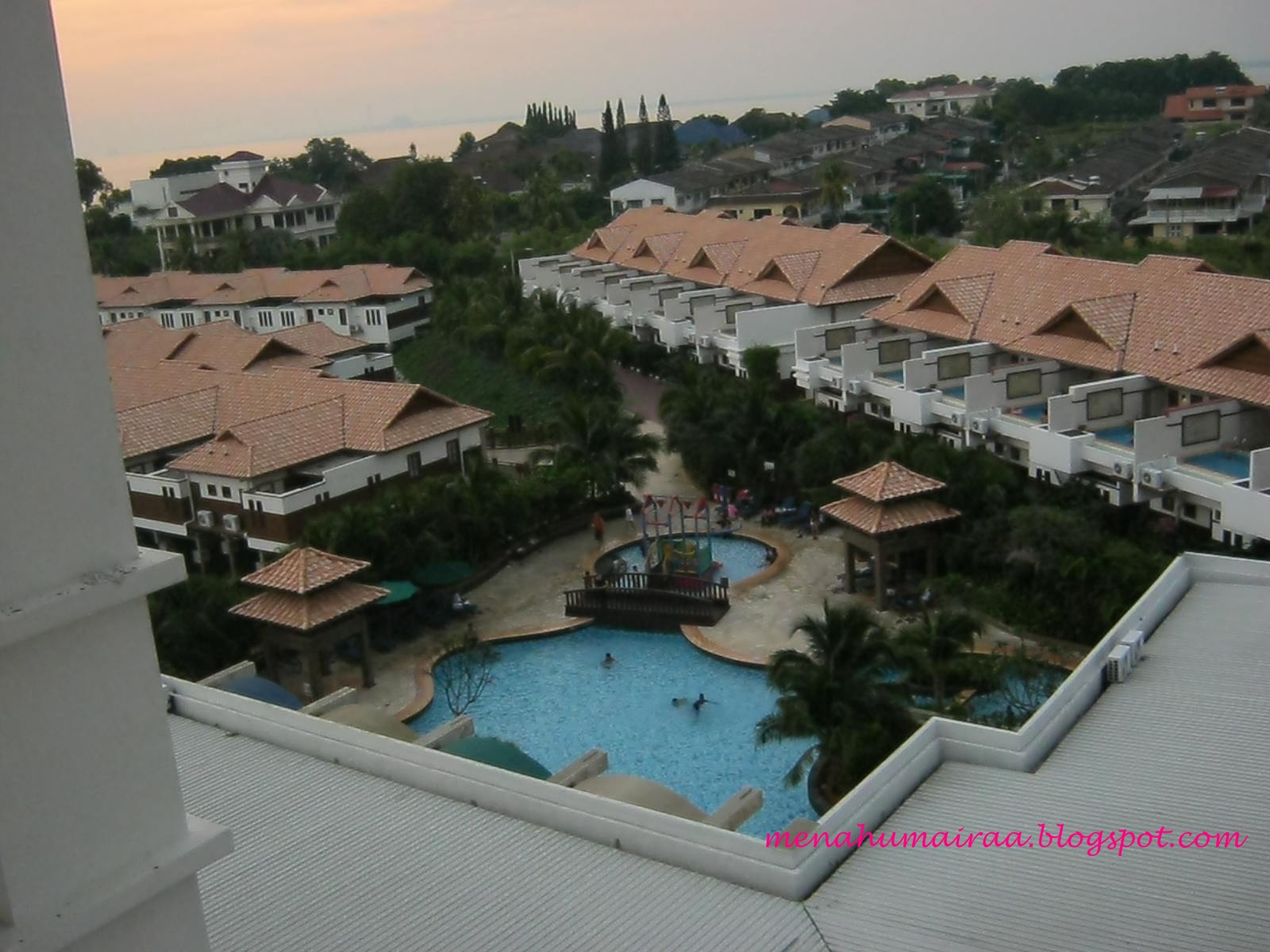 Menahumairaa mahmud love story in grand lexis port dickson for Garden pool villa grand lexis