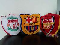 Bantal logo club Sepak bola