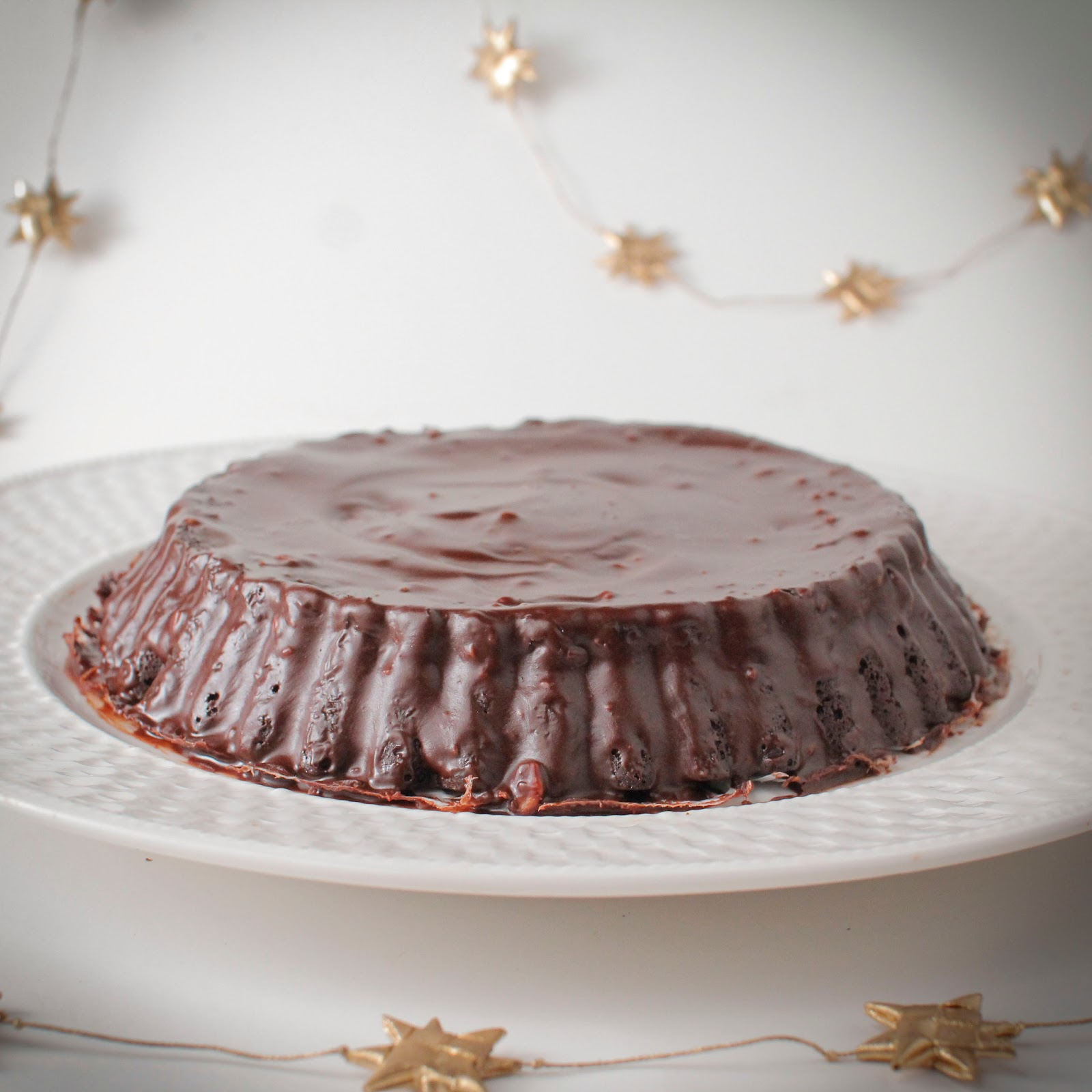 cake with semi sweet chocolate icing vegan and gluten free chocolate ...