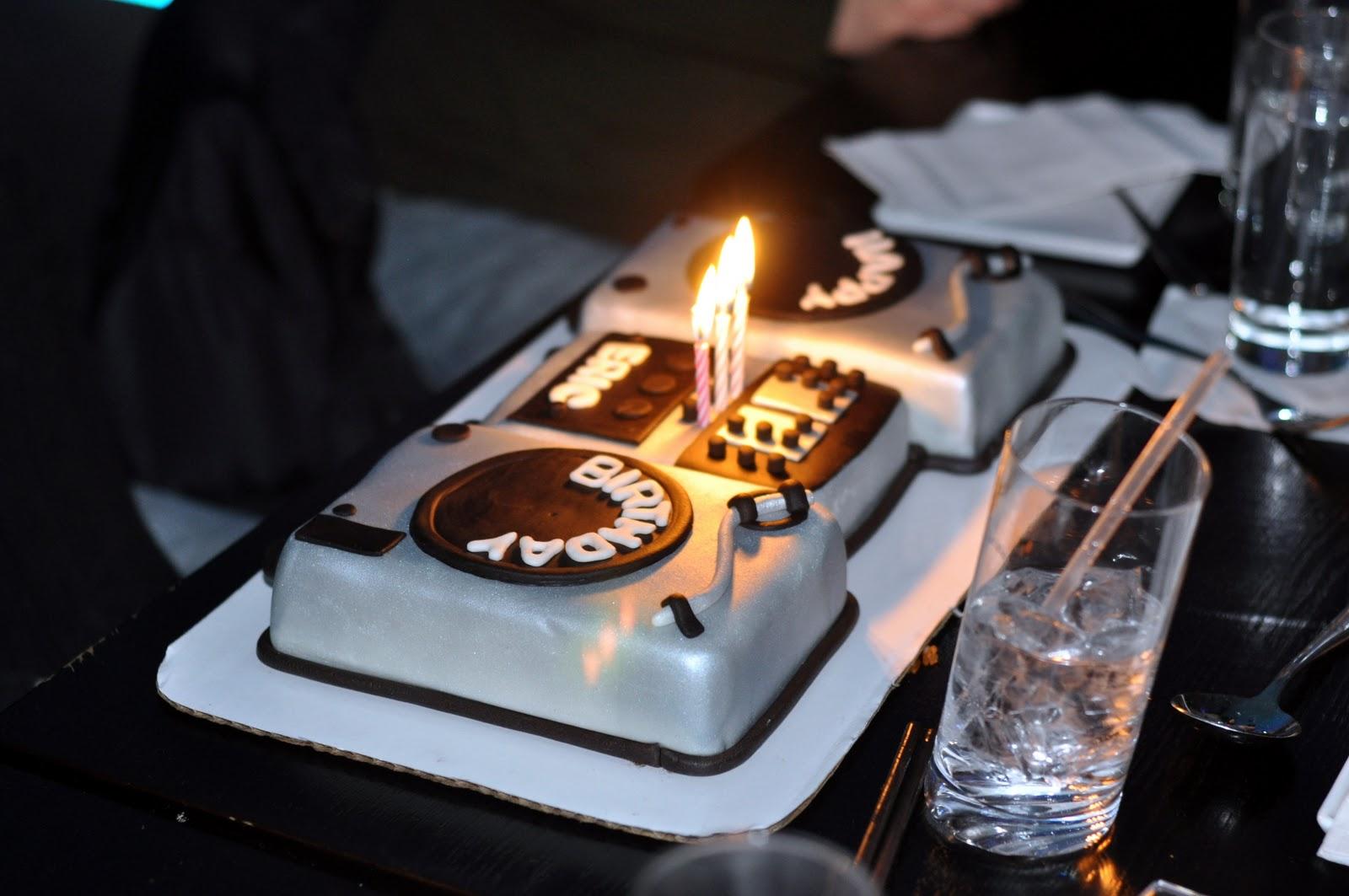 DJ Turntable Cake Sweet Kats Creations