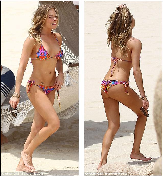 Rachel Mcadams At The Beach All Naked Exposing Her