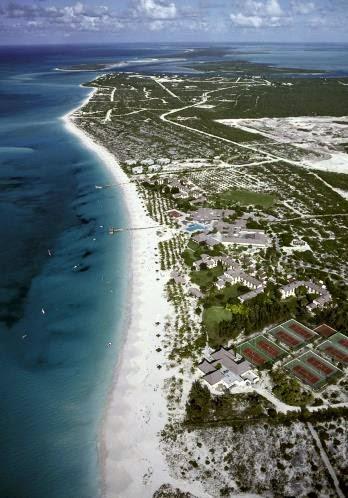 Grace Bay sur l'île Provinciales dans la mer des Caraïbes.