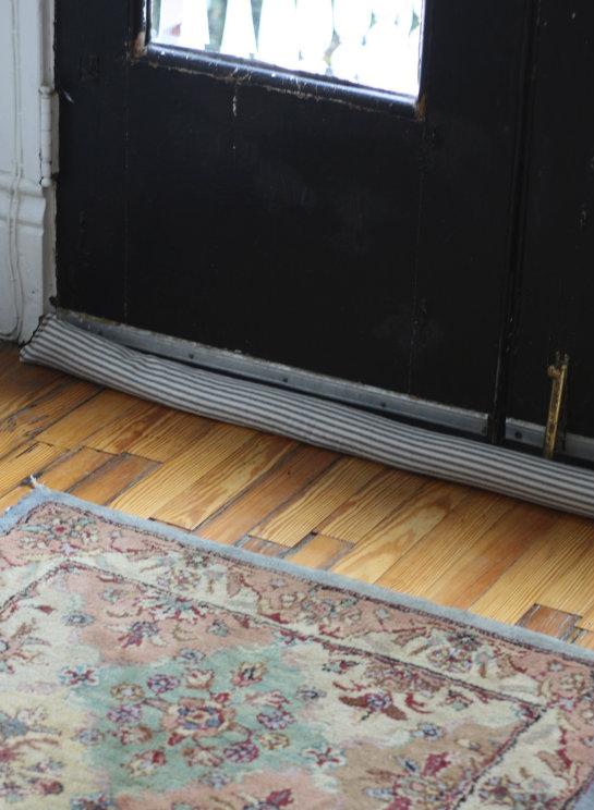 & 17 Apart: How To: DIY Door Snake (Draft Stopper)