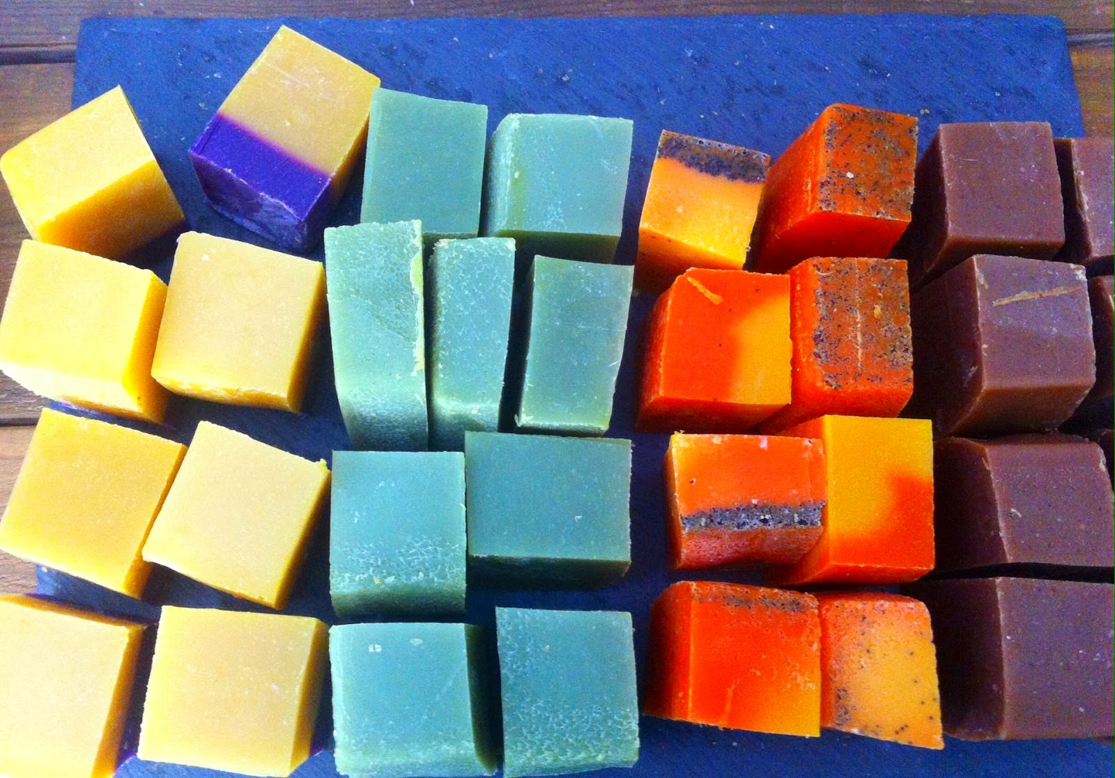 Jabones artesanales algas, aloe vera, naranja zanahoria y chocolate