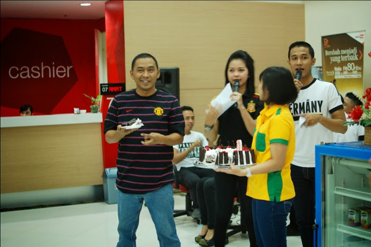 fotografer solo untuk acara ulang tahun di kantor grapari telkomsel solo