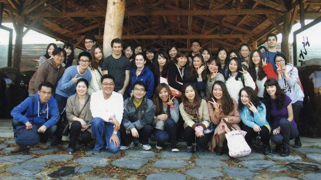 Foto de grupo en la fábrica de Sansawon