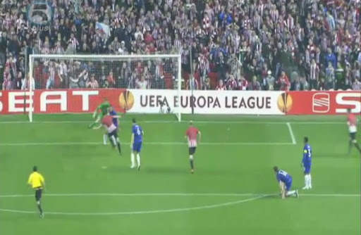 Athletic Bilbao player Andoni Iraola sends his shot wide off Manchester United goal