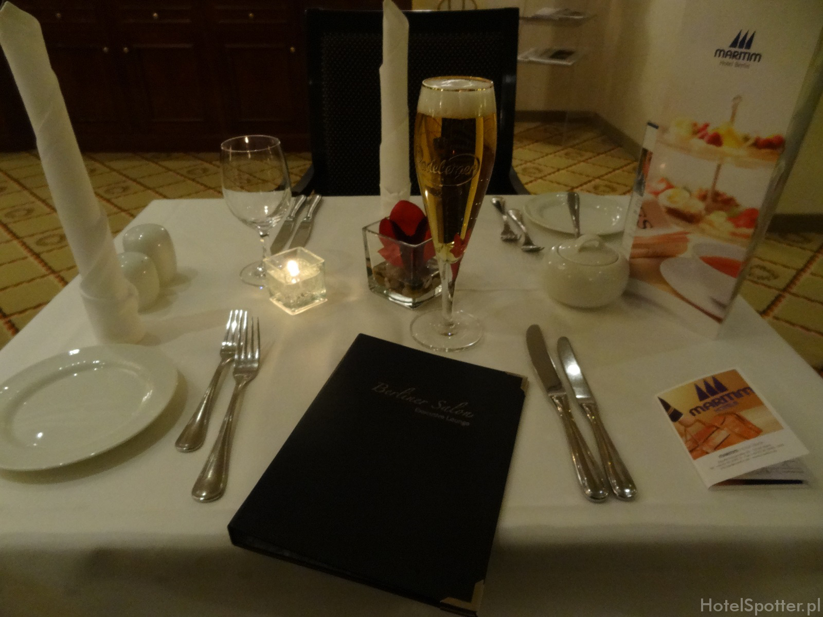 Maritim Hotel Berlin - a la carte menu club lounge