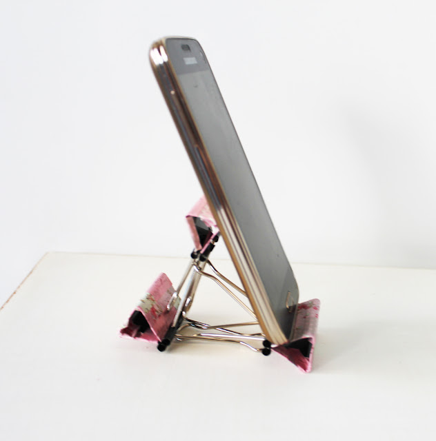 How+to+make+a+phone+stand