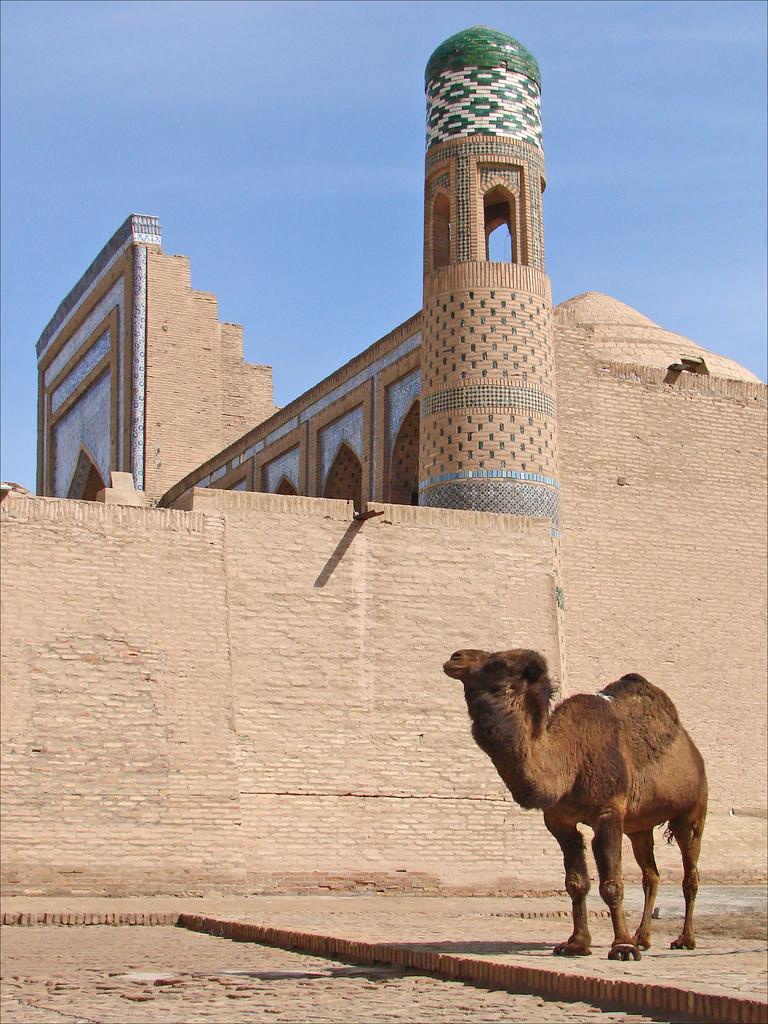 イスラム・フッジャ・マドラサのミナレット