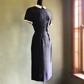 Vintage 1950's Navy Blue Shantung fitted dress w/ Peter Pan Collar