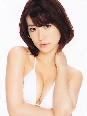 AKB48 AKB48 Bikini Pics