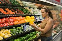 0026_mujer-supermercado-compra