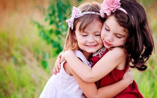 1324-Cute Babies Hugging HD Wallpaperz