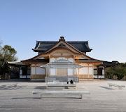 TOKUJIN YOSHIOKA: GLASS TEA HOUSE