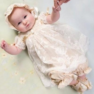Aquí podrás encontrar todo lo necesario de ropa para bautizo. Desde peleles para bautizar a tu niño, vestidos para que tu niña sea bautizada, hasta faldones de bautizo para tu beb Pelele bebe bautizo de cristal bordado con capota. Vista rápida.