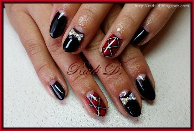 nails black moon