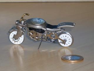 Presente relacionado a moto
