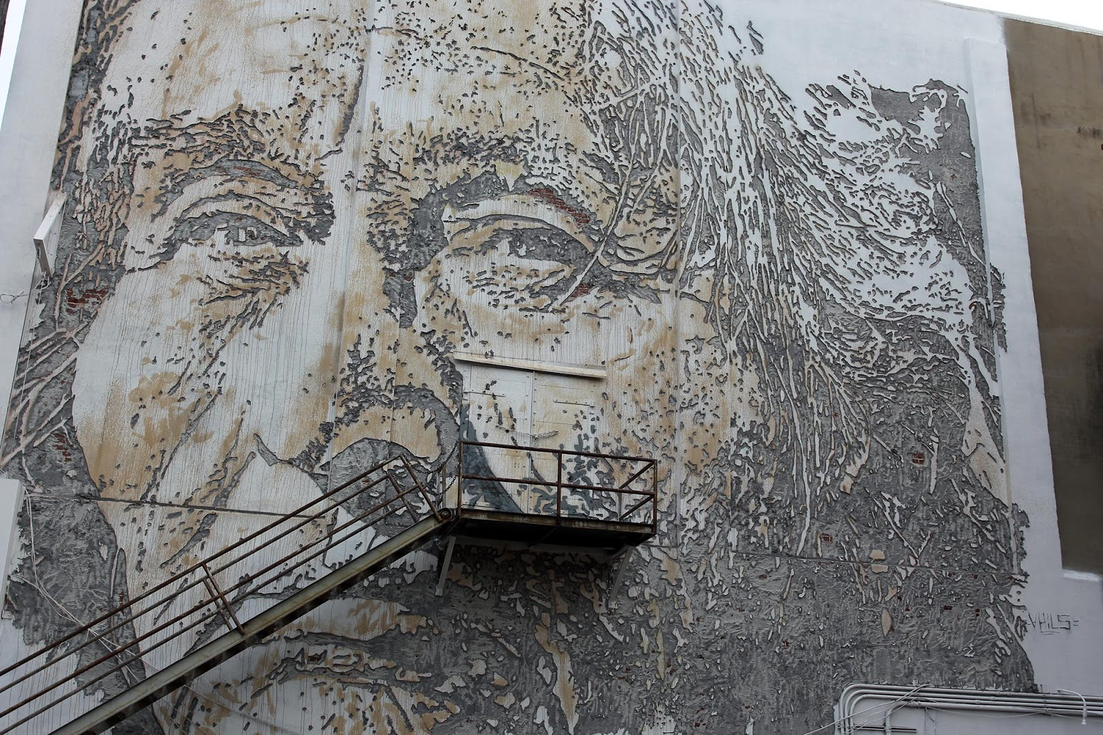Fancy Unexpected u Vhils unveils a new mural in Fort Smith Arkansas