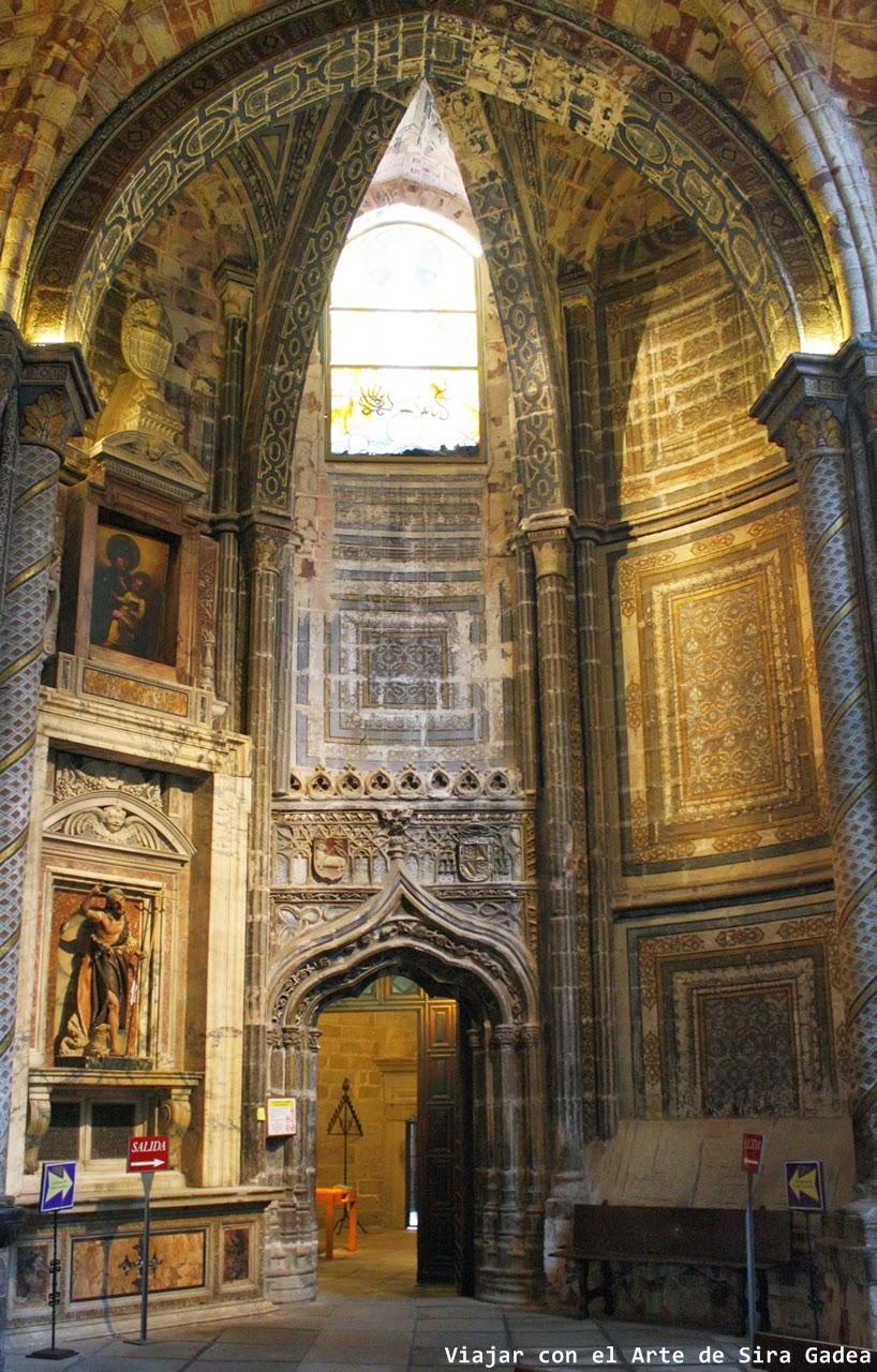 portada hispano-flamenca catedral Ávila