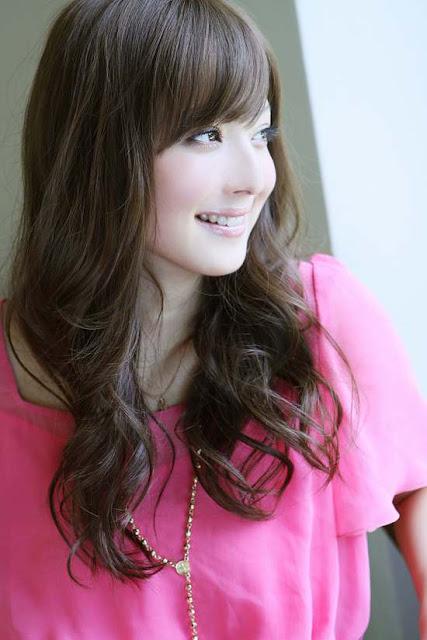 Nozomi Sasaki - Outside Photoshoot