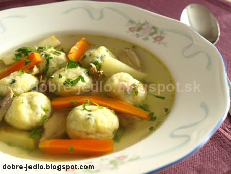 Slepačia polievka s bazalkovými knedličkami - recepty