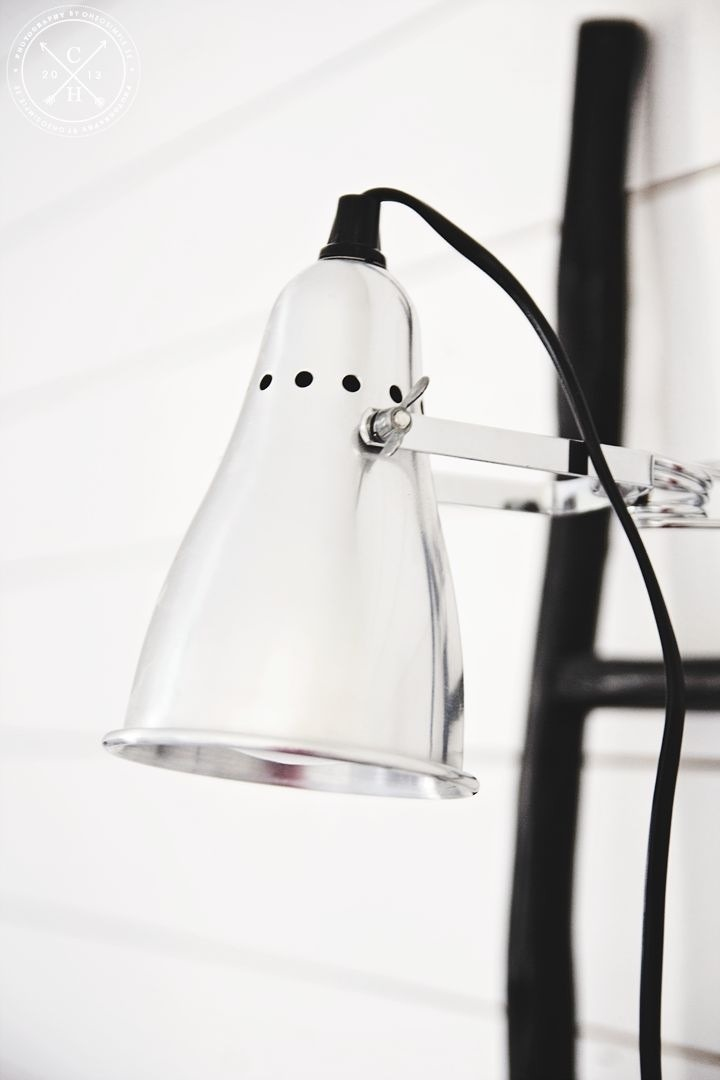 When It Comes To The Workspace, Shelves Placed Above The Desk Are Calling  Out For Clamp Lamps.