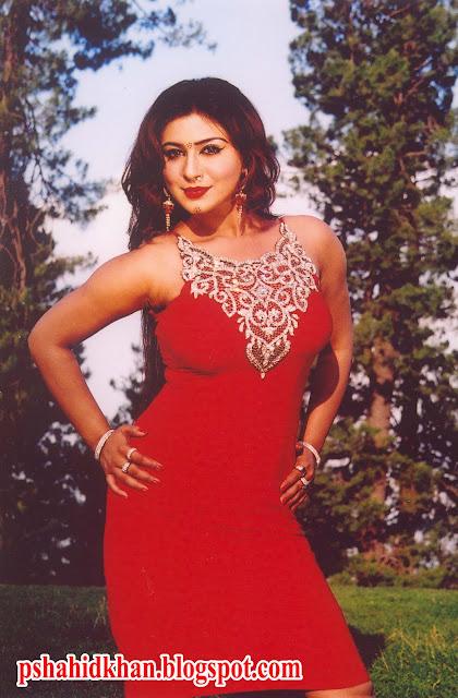 Pashto Actress Dua Qureshi Hot And Sexy Photos  Up Ing Movie