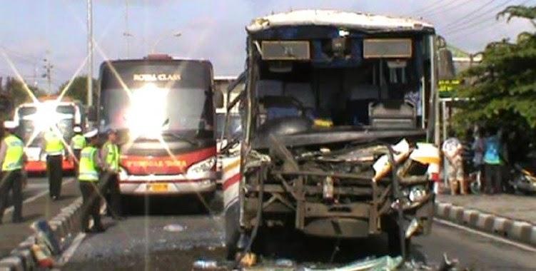 Kecelakaan Bus Cenderawasih
