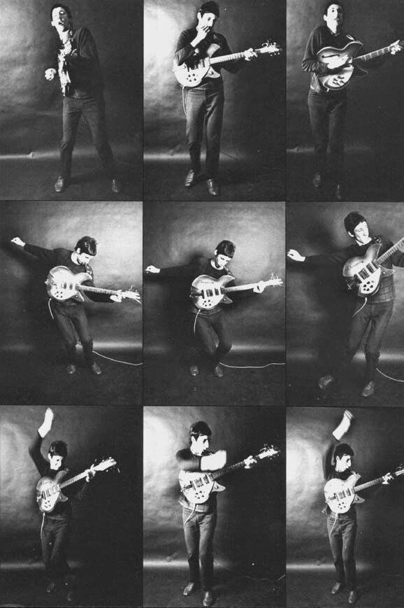 pete townshend playing guitar 1960s
