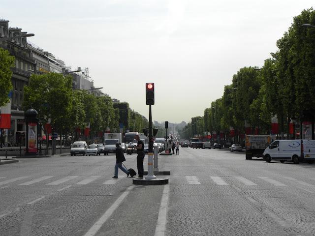 Champs Elysées in Paris