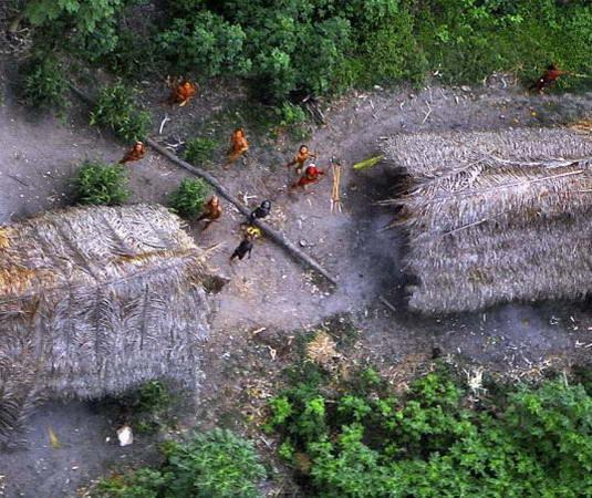 Berhasil DiFoto Suku Paling Primitif Di Hutan Amazon