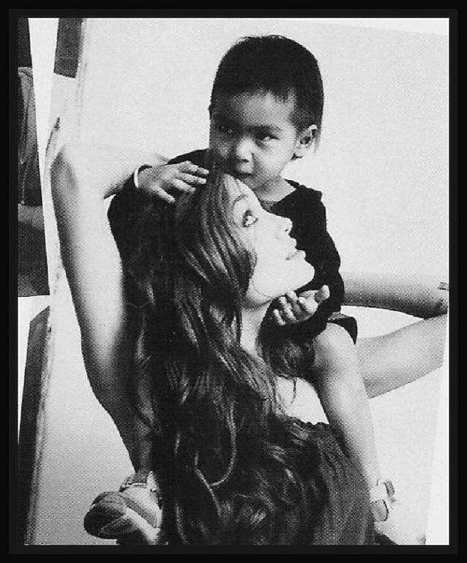 ANGELINA JOLIE AND MADDOX