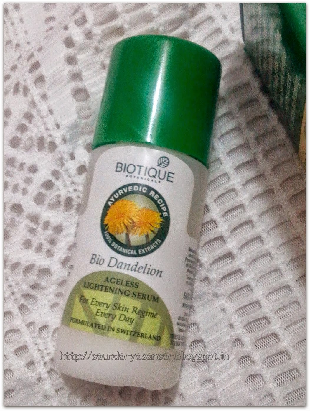Biotique Botanicals Bio Dandelion Ageless Lightening Serum bottle, review