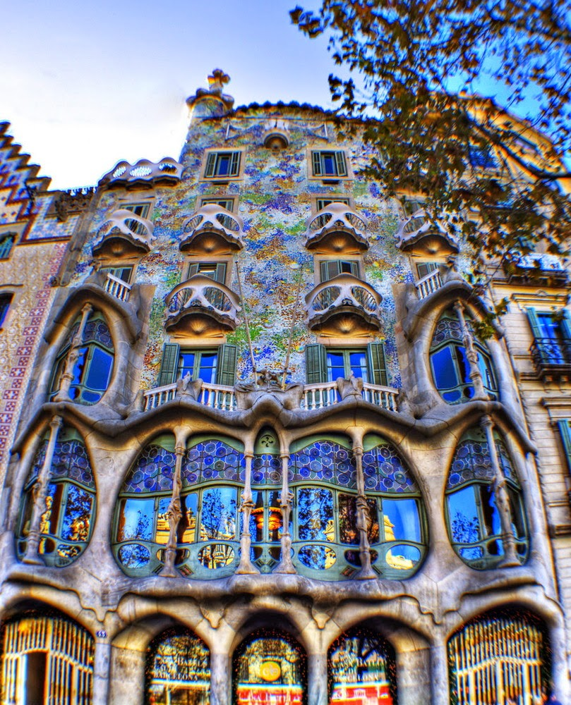 [ARCHITECTURE] Casa Batlló, Antoni Gaudi, Barcelona, Spain - ART FOR YOUR WAL...
