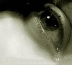 أيهما أكثر شعورا بالكآبة الرجال أم النساء وما هو السبب !!