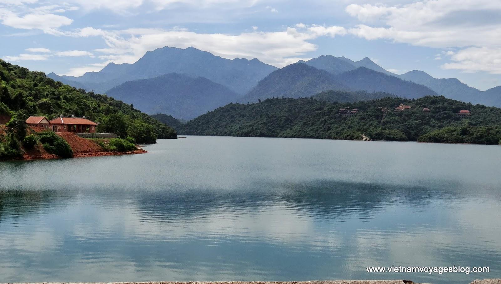 Vẻ đẹp dịu dàng của dòng Hương Giang