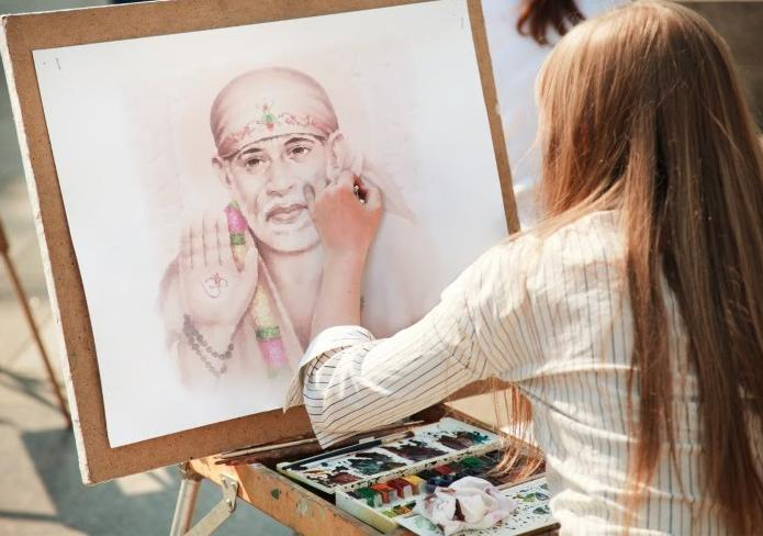 Shri Sai Baba Showed My Daughter's Results In My Dream - Sai Devotee Gowri